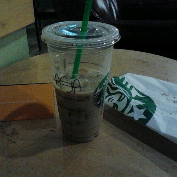 Photo taken at Starbucks by Asael S. on 2/1/2014