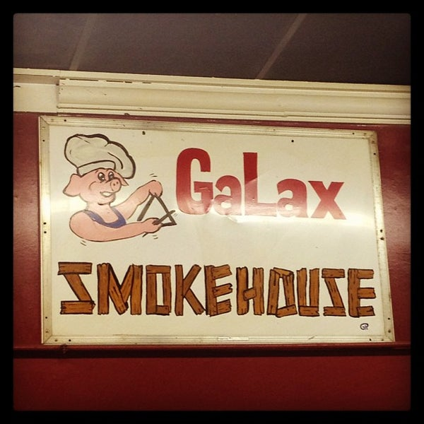 Foto tirada no(a) The Galax Smokehouse por Audrey A. em 12/27/2012
