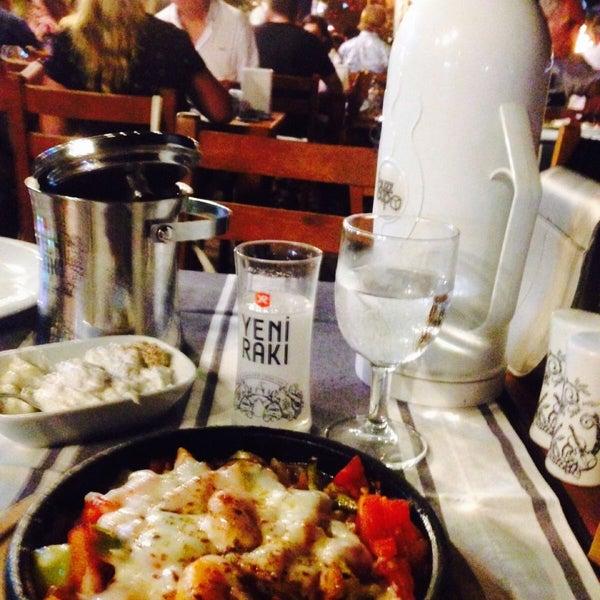 Das Foto wurde bei Kekik Restaurant von GLTN am 9/2/2018 aufgenommen