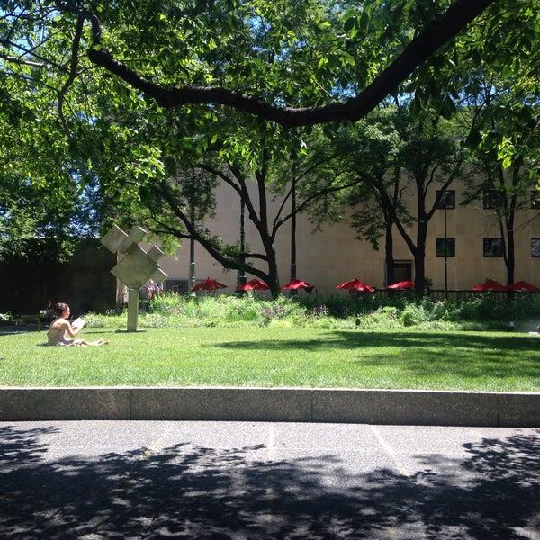 Photo taken at Sculpture Garden - Art Institute of Chicago by Wez B. on 6/29/2016