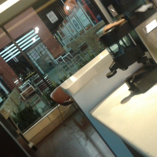 Photo taken at McDonald's by Fryda R. on 1/23/2014