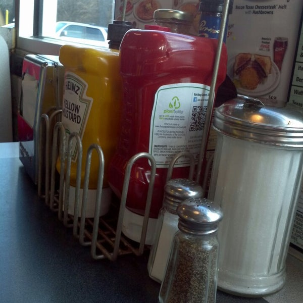 Photo taken at Waffle House by Nathan L. on 2/28/2013