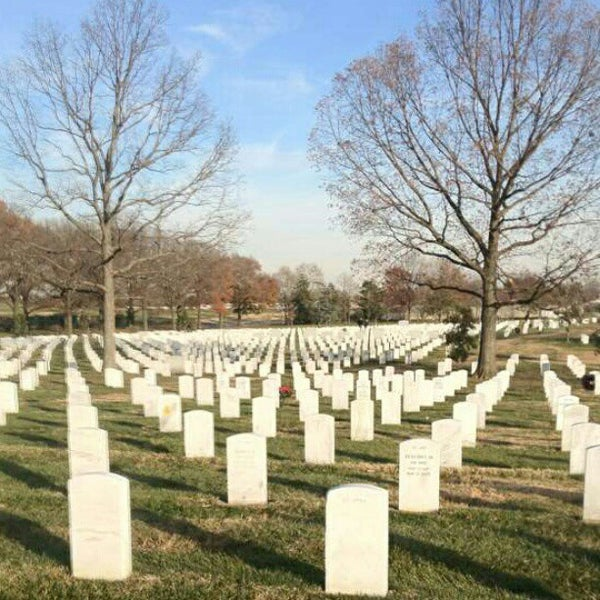 Photo taken at Arlington National Cemetery by Kellee M. on 12/7/2012