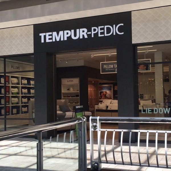 Tempur Pedic Store 7 visitors