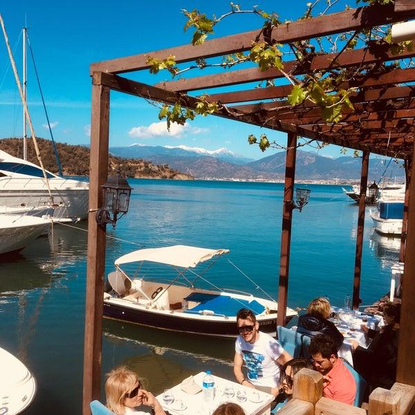 3/30/2018 tarihinde Yusuf A.ziyaretçi tarafından Fethiye Yengeç Restaurant'de çekilen fotoğraf