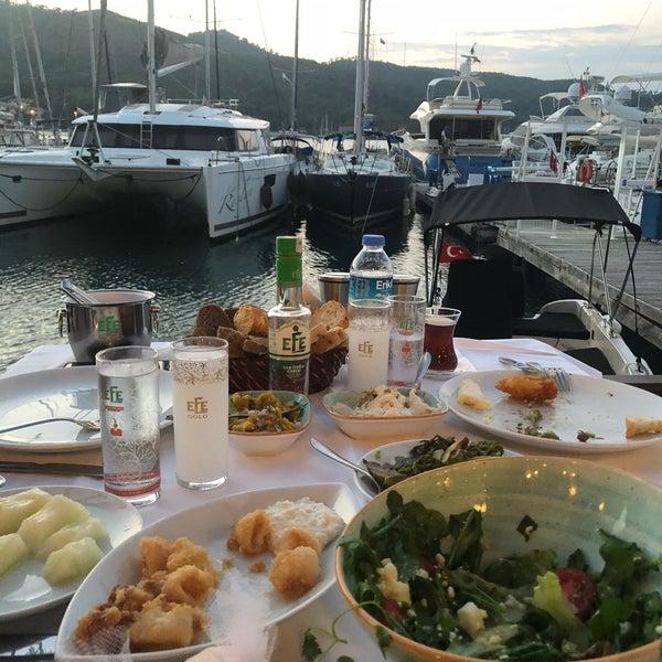 7/25/2018 tarihinde Yusuf A.ziyaretçi tarafından Fethiye Yengeç Restaurant'de çekilen fotoğraf