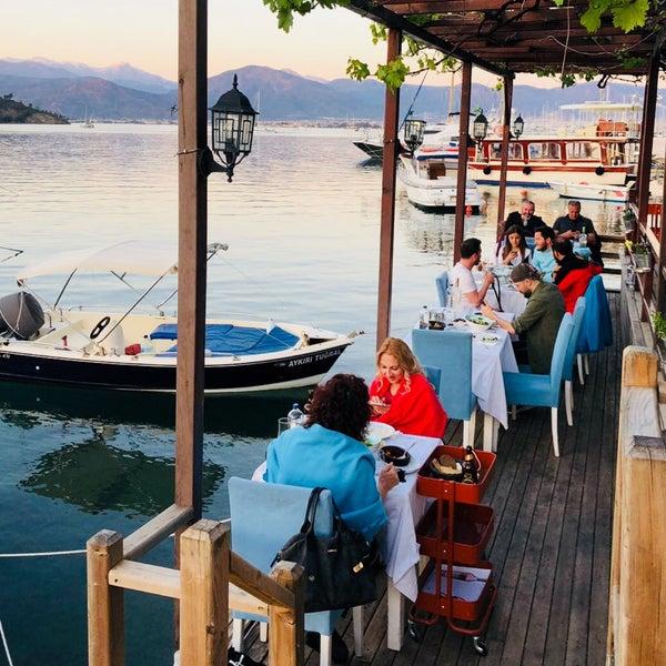 4/4/2018 tarihinde Yusuf A.ziyaretçi tarafından Fethiye Yengeç Restaurant'de çekilen fotoğraf