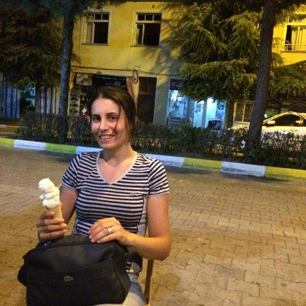 8/23/2014 tarihinde Berna E.ziyaretçi tarafından Elmali Konak Dondurma'de çekilen fotoğraf