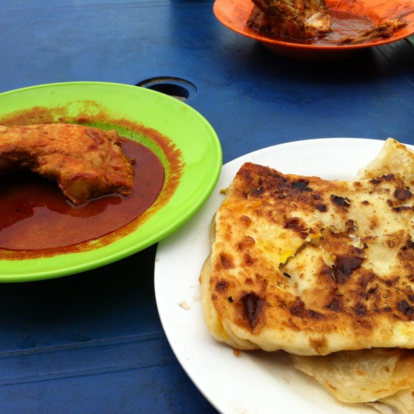 Photo taken at Roti Canai Transfer Rd. by Annie L. on 4/14/2013