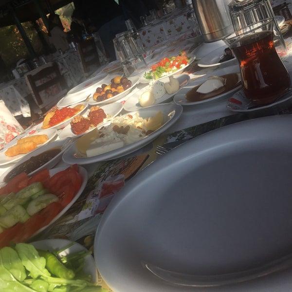 11/11/2017 tarihinde Fatih T.ziyaretçi tarafından Köyüm Bahçe Restaurant'de çekilen fotoğraf
