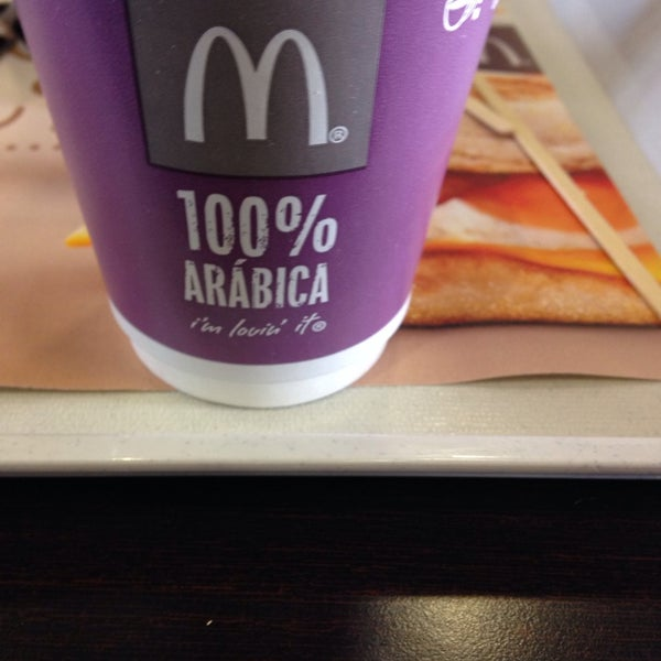 Photo taken at McDonald's by Fernando A. on 3/28/2014