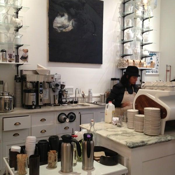 Foto scattata a Toby's Estate Coffee da Anne P. il 11/13/2013