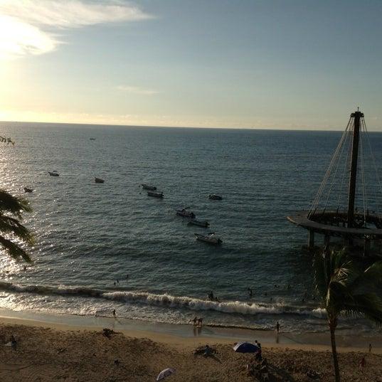 Foto tomada en Emperador Hotel & Suites por Liney C. el 10/18/2012
