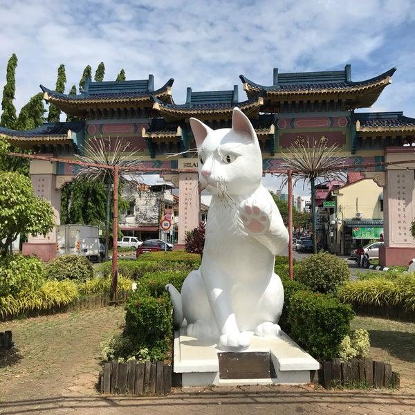 White Cat Statue Kuching