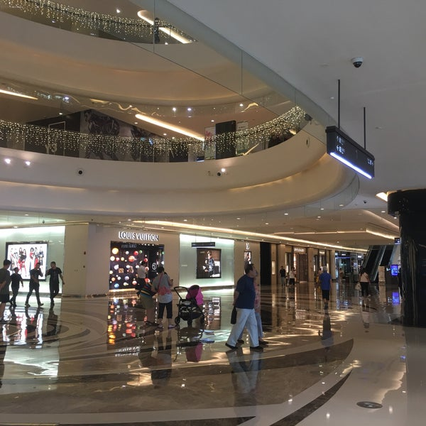 Photo taken at 银河国际购物中心 Galaxy Mall by Anna W. on 9/6/2016