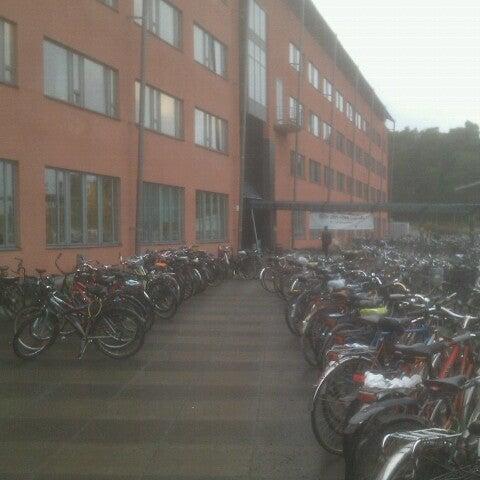 Снимок сделан в Ångströmlaboratoriet пользователем Isak G. 11/16/2012