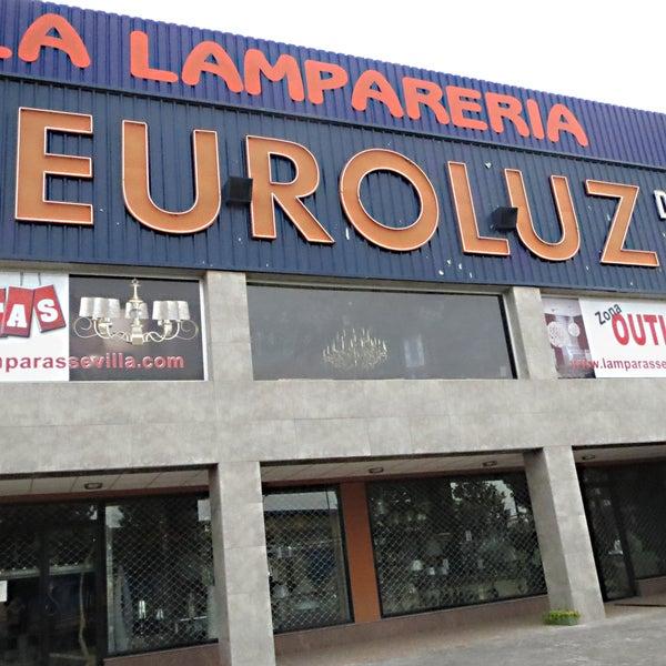 Foto tomada en Lámparas Sevilla EUROLUZ por Lámparas Sevilla EUROLUZ el 2/4/2014