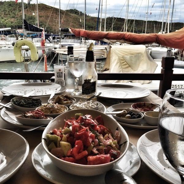 9/22/2015 tarihinde KeZzi B.ziyaretçi tarafından Fethiye Yengeç Restaurant'de çekilen fotoğraf