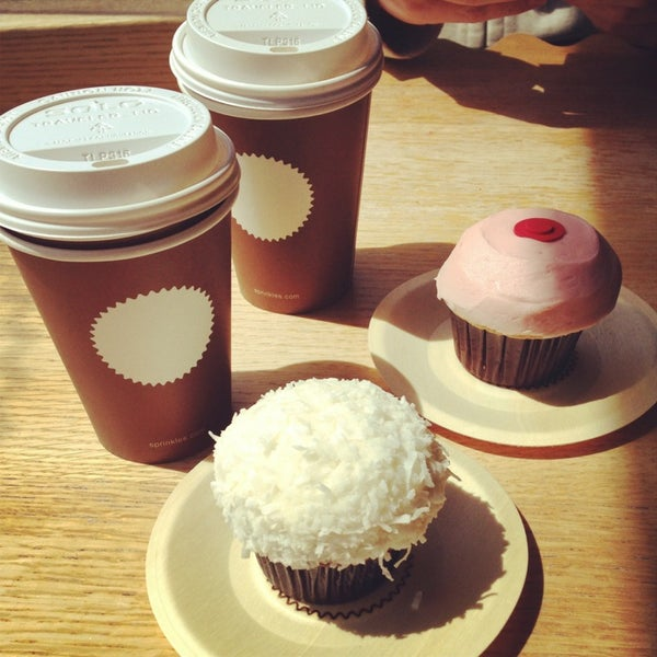 Photo taken at Sprinkles Cupcakes by Reynald D. on 4/7/2013