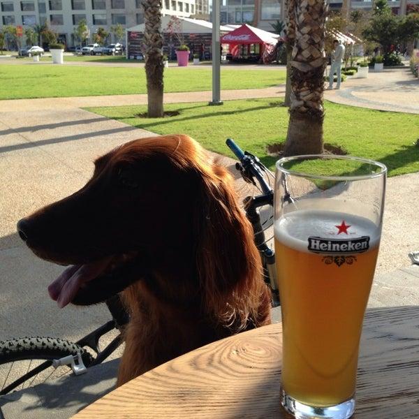 Foto tomada en The Beer Box por Mar F. el 11/3/2013