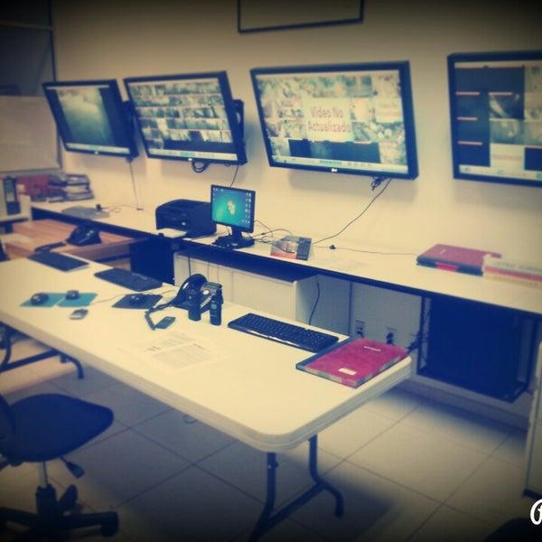 Lumen centro de distribuci n espacio de trabajo compartido for Distribucion de espacios de trabajo
