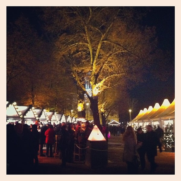 Photo taken at Weihnachtsmarkt vor dem Schloss Charlottenburg by - on 12/7/2012