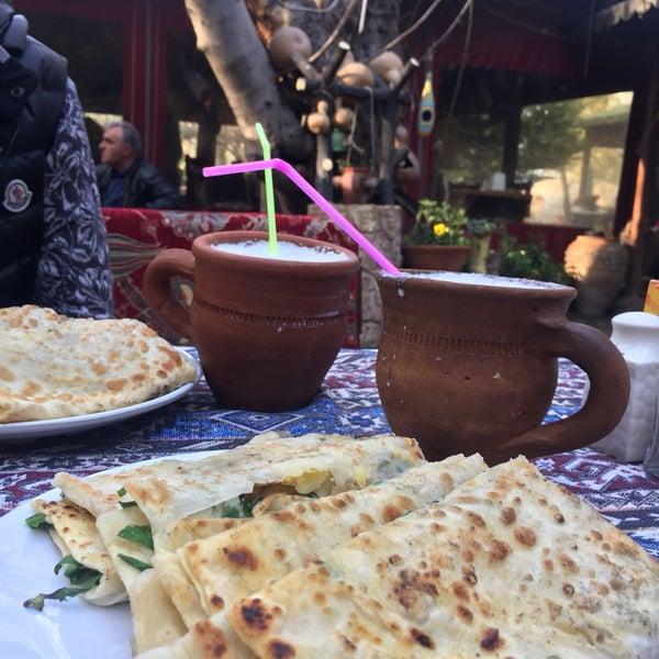 3/19/2017 tarihinde Merve K.ziyaretçi tarafından Yavuz'un Yeri'de çekilen fotoğraf