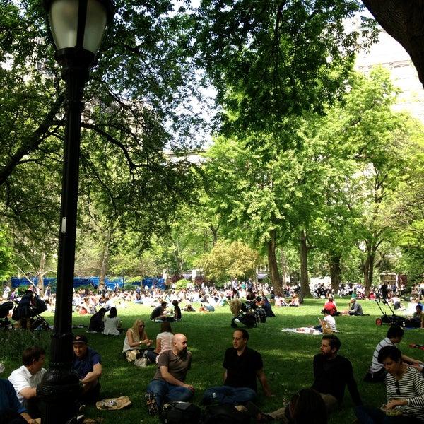 Foto diambil di Madison Square Park oleh Bennett M. pada 5/16/2013