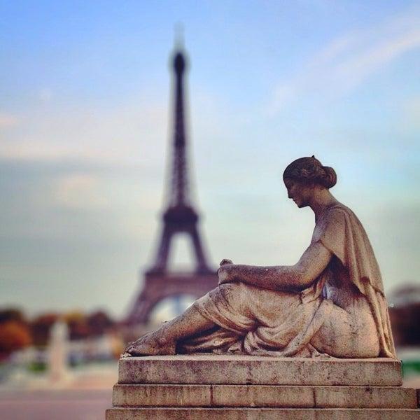 Photo prise au Place du Trocadéro par Anil P. le11/27/2012