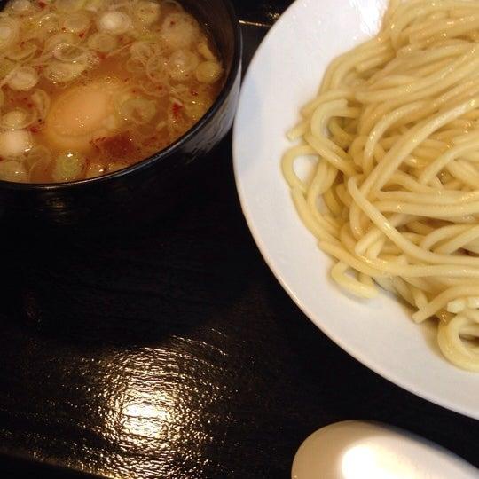Photo taken at 三ツ矢堂製麺 下北沢店 by 義人 加. on 2/4/2014