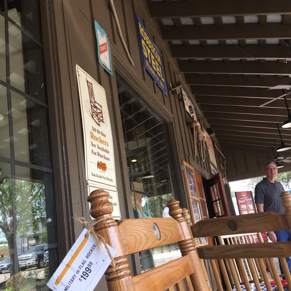 Photo taken at Cracker Barrel Old Country Store by Stephanie M. on 8/6/2017