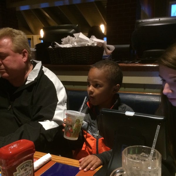 Photo taken at Chili's Grill & Bar by Zach D. on 3/17/2014
