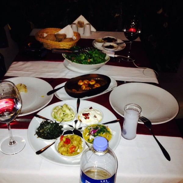 3/7/2015 tarihinde ömerziyaretçi tarafından Fethiye Yengeç Restaurant'de çekilen fotoğraf