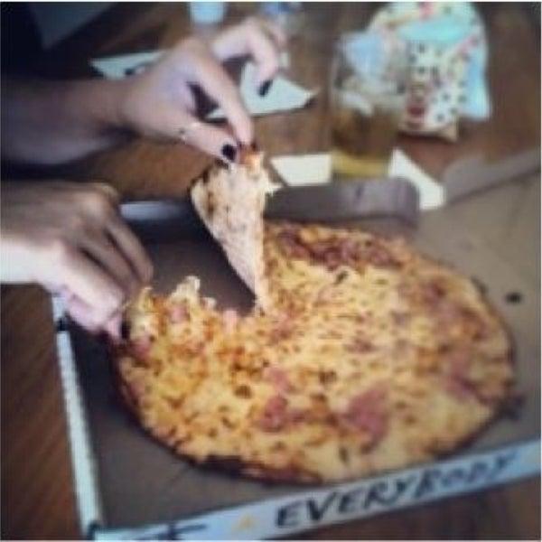 five forces on debonairs pizza Pizza hut - porter's case study 1 porter's five forces  modelandporter's value chainpizza hut 2 introduction.