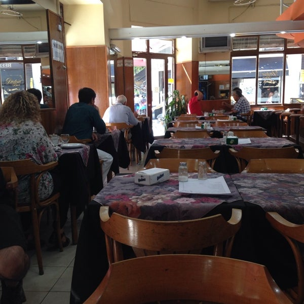 Foto tomada en Café Bar Pichín por Sebastian el 3/13/2014