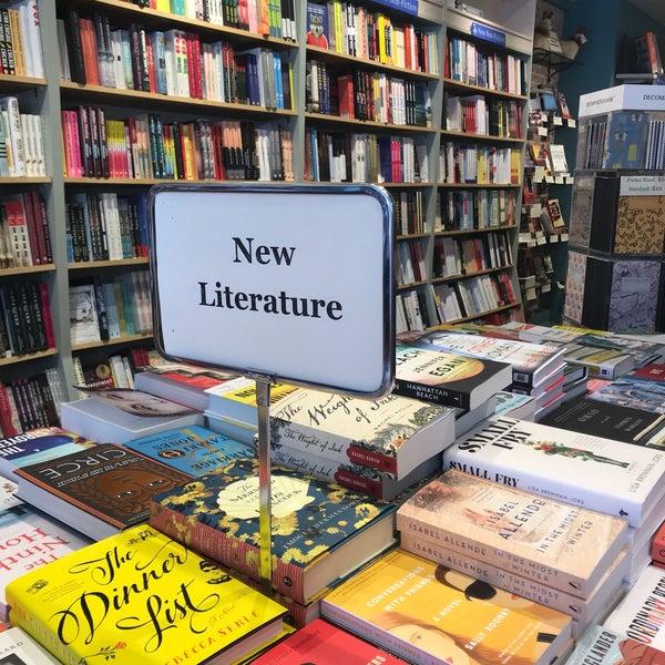 Снимок сделан в Book Culture пользователем Grace A. 9/20/2018
