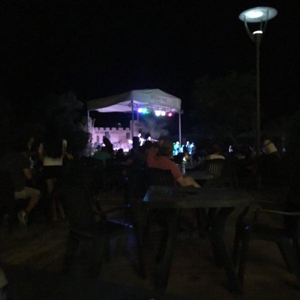 รูปภาพถ่ายที่ Ulu Resort Hotel โดย Ibrahim P. เมื่อ 8/26/2017