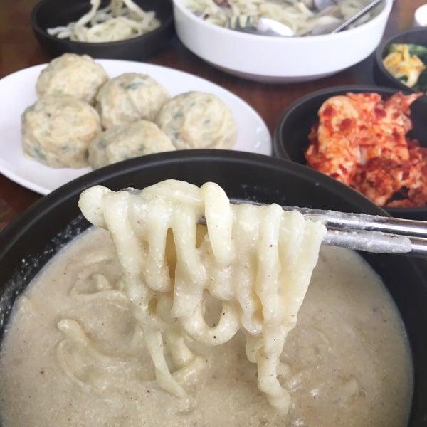 Photo taken at 담소정 칼국수집 by Jina P. on 4/27/2016