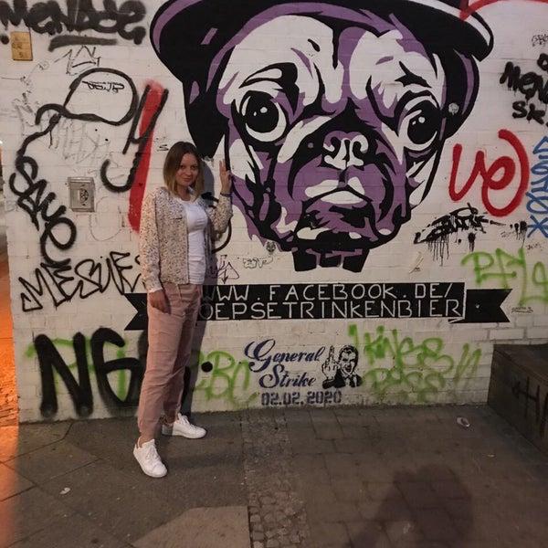 Das Foto wurde bei The Pub Berlin von Eva am 5/27/2017 aufgenommen