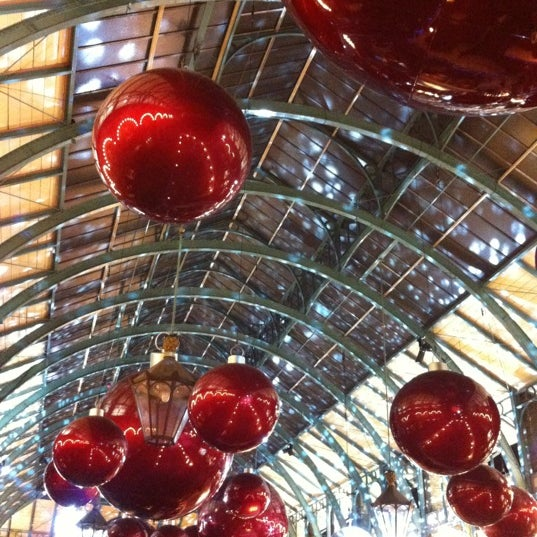 Photo taken at Covent Garden Market by ʌlı on 11/17/2012