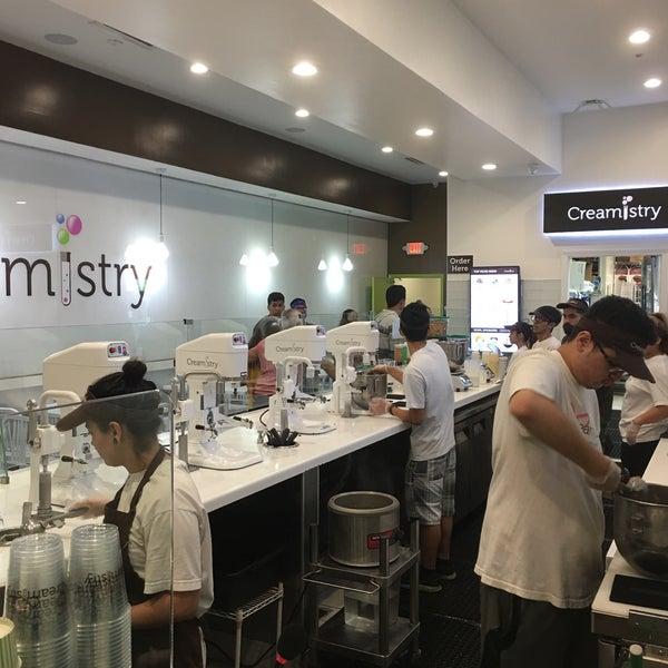 Foto tirada no(a) Creamistry por Fernando C. em 9/9/2017