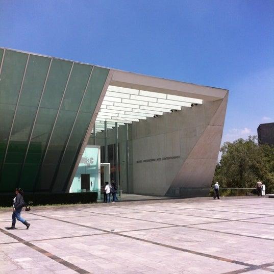 Foto tomada en MUAC (Museo Universitario de Arte Contemporáneo). por Leo T. el 10/14/2012