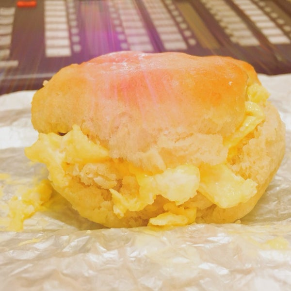 Even the sun rays are giving this biscuit praise ☀️🍳 #mmmmmmmmm