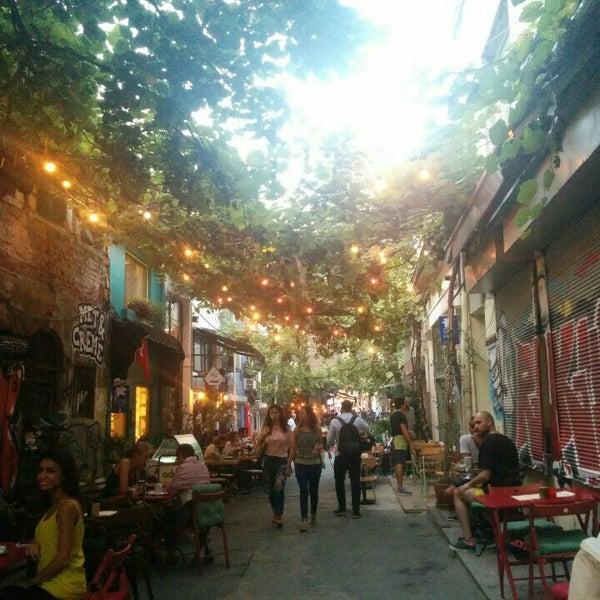 Снимок сделан в Pim Karaköy пользователем Fatma 9/10/2015