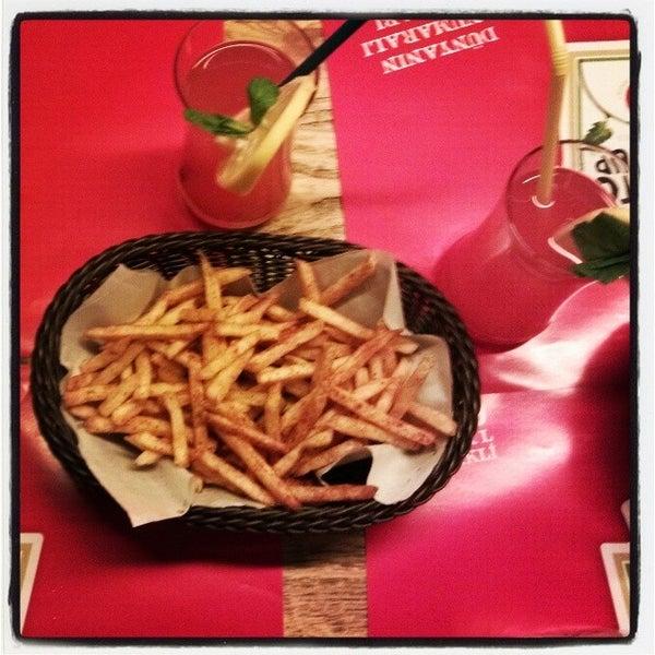 Photo taken at Biber Burger by Yunus Emre K. on 12/16/2013