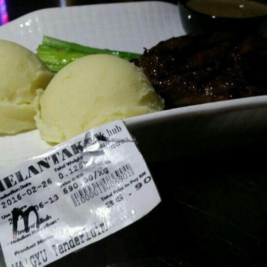 Photo taken at Melantak Steak Hub by Mohamad Hanafi Z. on 3/5/2016