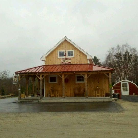 Foto tirada no(a) Red Barn Coffee At Angel's Cafe por James B. em 3/25/2012