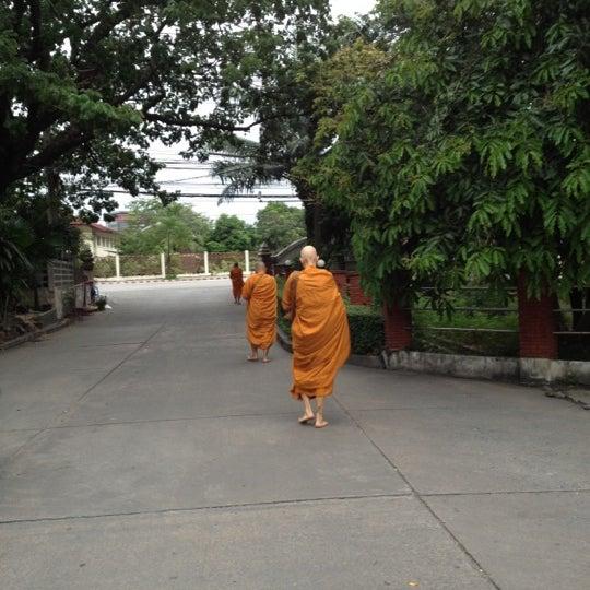 Photo taken at ลานใส่บาตร by Som O D. on 6/19/2012