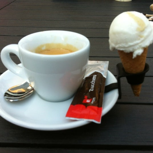 Photo taken at Luciano's ijssalon by Jobert W. on 5/30/2012