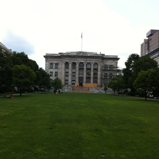 Photo taken at Harvard Medical School Quadrangle by mauro g. on 7/4/2012